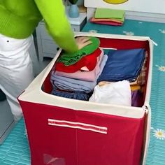 👏It's time to put away the summer clothes.👕 The house is so tidy that boys dare not mess up those items.🤩 Cool Gadgets To Buy, Space Saving Storage, Home Gadgets, Summer Clothes, Summer Outfits, Home Hacks, My New Room, Closet Organization, Cool Things To Buy