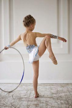 Beautiful designer rhythmic gymnastics leotard por artmaisternia