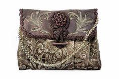 Pochette Alamaro frontale Wallet, Chain, How To Wear, Vintage, Accessories, Fashion, Handkerchief Dress, Pocket Wallet, Moda