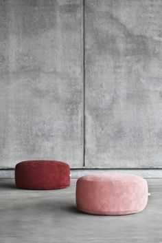 KONTRAST Pouf BLUSH and WINE by Yndlingsting. Designed to create recreational spaces in your home.