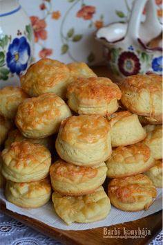 Canapes, Winter Food, Pretzel Bites, Scones, Muffin, Ham, Biscuits, Bakery, Brunch