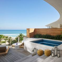 If you are a sucker for outdoor life, then you definitely have a Jacuzzi outdoors. Here are lots of cool ideas to fit in into your backyard. Best Hotels In Miami, Miami Beach Hotels, Beach Resorts, Florida Hotels, Miami Beach House, Beach House Decor, Beach Houses, Outdoor Spaces, Outdoor Living