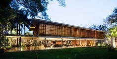 architecture-toblerone-house-a-stunning-house-in-brazil-toblerone-wooden-glass-home_f1893.jpg (600×305)
