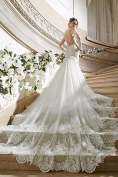 Delicate Lace Trumpet/Mermaid Lace Scoop Chapel Train Long Sleeve Lace Wedding Dresses UK