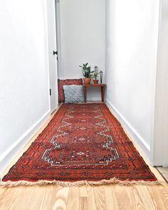 """Babak"" #persianrug #vintage #homedecor #design #decor #persian #persiancarpet #persianrunner #hallway #joonrugs"