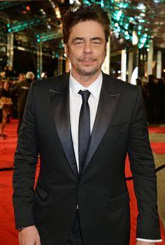 Pin for Later: Les Stars Se Rendent à Londres Pour les BAFTA Film Awards Benicio del Toro