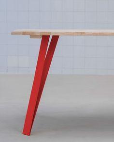 """pieds de table rouge en metal style loft - Site """"despiedssousmatable.com"""", plein de pieds pour imaginer et fabriquer vos tables :)"""