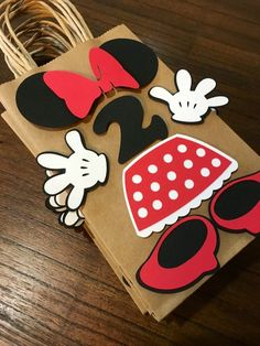 Free Minnie Mouse Style Letter A Cut Out - Large size printable - OKJ Lian Fiesta Mickey Mouse, Theme Mickey, Mickey Party, Minnie Mouse First Birthday, Mickey Mouse Birthday, Mickey Minnie Mouse, Party Decoration, Birthday Decorations, Party Favor Bags