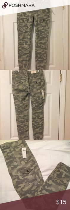 GAP NWT Camo Khakis Size 2 NWT!! GAP camo khakis Size 2! These are the khakis by GAP skinnies. 4 pockets in the front and 2 in the back. The material is 98% cotton and 2% Spandex. These do stretch a bit when wearing. They're so soft and so cute!! GAP Pants