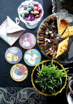 """Wielkanocnie. Mazurek mamusi i ręcznie wykonany prezencik od """"Zajączka"""". :))"""