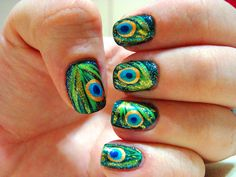 #nails #naildesigns #peacock #howto #tips To do eye of the feather, use a bobby pin, to do the first dot (yellow) make sure you have enough paint. Then to do the second one(blue) have a little less paint. Then the same with the black dot! Then use a toothpick or a thin brush to create the green feathers!
