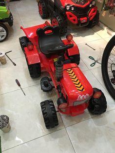 Xe máy cày điện cho bé. Bé sẽ trải nghiệm được công việc của 1 kỹ sư nông nghiệp như thế nào? Call: 0908.005.418 Xem thêm: www.facebook.com/babybikestore www.babybikestore.com Lawn Mower, Outdoor Power Equipment, Lego, Electric, Bike, Facebook, Children, Cook, Recipes