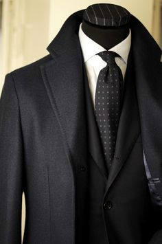 suit and tie black mens fashion Der Gentleman, Gentleman Style, Sharp Dressed Man, Well Dressed Men, Mode Masculine, Fashion Mode, Look Fashion, Guy Fashion, Fashion Clothes