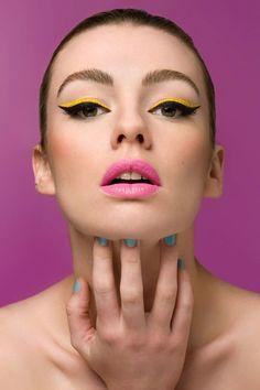 Bright Color Liquid Eyeliner tutorial by Fashionising.com!  #liquideyeliner #eyes #eyetips #tutorial