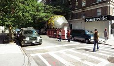 inflato dumpster gives NYC a blow-up mobile learning lab - designboom | architecture