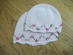 Baby hat, free and easy pattern.