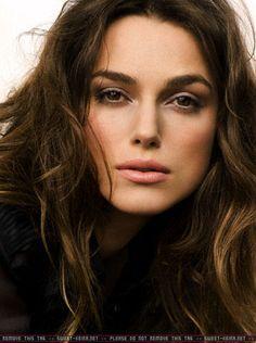she's stunning and soooooo hot! keira knightley