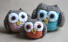 FREE Crochet Owl Family Amigurumi Pattern. I have such a crazy obsession with owls right now.. I'm making these... Maybe I'll make them bigger for pillows on the couch!? :o