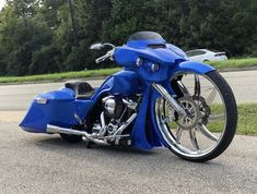 Another down the glide from to ya Harley Davidson Trike, Harley Davidson Street Glide, Street Glide Special, Custom Baggers, Ride Or Die, Custom Bikes, Bobber, Cars And Motorcycles, Things To Sell