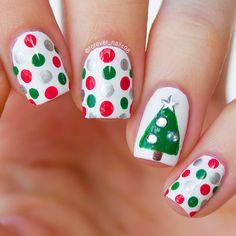 Easy Christmas Tree Dotticure #christmasnails #dotticure