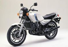 1982 RD first generation of water cooled RDs Yamaha Motorbikes, Yamaha Motorcycles, Vintage Motorcycles, Classic Motors, Classic Bikes, Best Motorbike, Aftermarket Motorcycle Parts, Japanese Motorcycle, Moto Bike