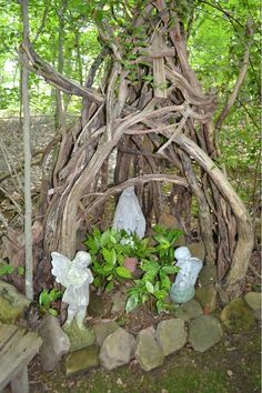 Beautiful garden altar/shrine.  So easy to personalize to your unique spirituality.