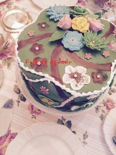 Eine Torte für Monic Fazer Login, Cake, Desserts, Blog, Food Coloring, Fondant Cakes, Tailgate Desserts, Deserts, Kuchen