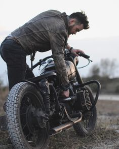 Bobber Motorcycle Ural 22 New Ideas Motorcycle Memes, Bobber Motorcycle, Bobber Chopper, Motorcycle Style, New Motorcycles, Vintage Motorcycles, Indian Motorcycles, Indian Motorbike, Custom Bobber
