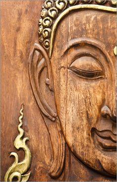 Holzgesicht des Buddhas
