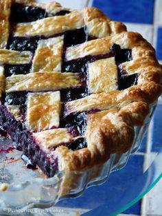 #RECETAS_en_ESPAÑOL / Blueberry Pie {Tarta de Arándanos} | Pemberley Cup  Cakes / RECETA http://pemberleycupandcakes.com/2014/01/23/blueberry-pie-tarta-de-arandanos/