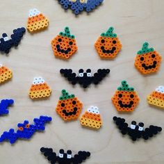 Halloween greetings perler beads by sothisisjulie Perler Bead Designs, Perler Bead Templates, Hama Beads Design, Diy Perler Beads, Perler Bead Art, Melty Bead Patterns, Pearler Bead Patterns, Perler Patterns, Beading Patterns