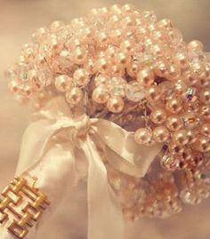 47 ideas diy wedding bouquet brooch pearls for 2019 Broschen Bouquets, Diy Bouquet, Wedding Bouquets, Wedding Flowers, Bouqets, Bridesmaid Bouquets, Bridesmaids, Pearl Bouquet, Bridal Brooch Bouquet