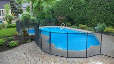 Protection pour piscine : Il est essentiel d'aménager la piscine de sorte que le jeune enfant ne puisse y accéder par ses propres moyens. CLÔTURE DE PISCINE ENFANT SÉCURE!