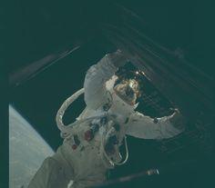 16 Crisp, Colorful Photos from the Apollo Missions - Esquire.com