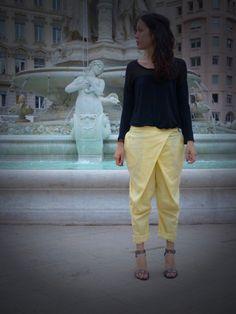 Collection Automne Hiver 2014 Maison Onissia Sarouel Onissia sur www.maisononissia.com Vogue, Parachute Pants, Capri Pants, Collection, Fashion, Women's Feminine Outfits, Fall Winter 2014, Home, Moda