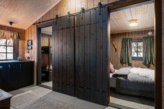 Trivelig, gjennomført og nylig oppgradert hytte med innlagt strøm og helårsvei. Rett ved skiløypa.   FINN.no Armoire, Divider, Garage Doors, Real Estate, Outdoor Decor, Room, Furniture, Home Decor, Patio