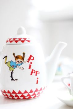 Pippi Longstocking is Swedish Pippi Longstocking, Kitchen Time, Kitchen Ideas, Scandinavian Food, Gifts For Readers, Tea Art, My Tea, Tea Accessories, My Heritage