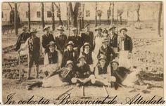 Calusarii din Bozovici. Inainte de 1947. #descoperabozovici Vintage Postcards, Painting, Collection, Art, Vintage Travel Postcards, Art Background, Painting Art, Paintings, Kunst