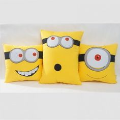 - by Cris Figueired♥ Felt Crafts, Fabric Crafts, Sewing Crafts, Diy And Crafts, Sewing Projects, Kids Pillows, Animal Pillows, Throw Pillows, Minions