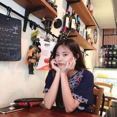 Twice, tzuyu. Nayeon, Kpop Girl Groups, Korean Girl Groups, Kpop Girls, Korean Model, K Pop, Twice Tzuyu, Chou Tzu Yu, The Band