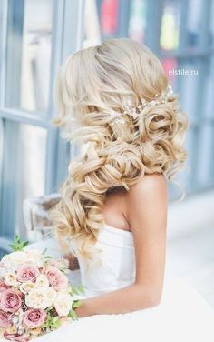 40 Gorgeous Side Swept Wedding Hairstyles | HappyWedd.com #PinoftheDay #gorgeous #SideSwept #wearing #hairstyles