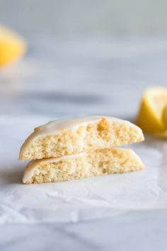 Soft and chewy Lemon Cookies. Bursting with flavor thanks to using fresh lemon juice and zest! Candy Cookies, No Bake Cookies, Lemon Cookies, Cookie Cups, Cookie Brownie Bars, Cookie Pie, Cookie Desserts, Healthy Desserts, Lemon Recipes