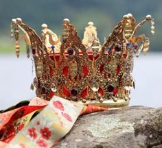The tradition of using Bridal Crowns is by no means only Norwegian. In most cultures, even today, it is customary that the bride is dressed up in spectacular fashion, and often time special headdre… Folk Clothing, Historical Clothing, Norwegian Clothing, Norwegian Wedding, Viking Woman, My Roots, Circlet, Bridal Crown, Printable Designs