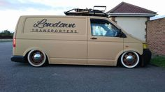 Transporter Van, Volkswagen Transporter, Vw T5, Day Van, Good Looking Cars, Car Camper, Cool Vans, Busse, Van Camping