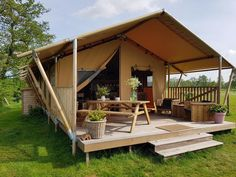 LuxeTenten is a rapidly growing, international specialist in luxury outdoor living. We supply prestigious, modern safari tents & glamping lodges Craftsman Bungalow House Plans, Modern Bungalow Exterior, Craftsman Bungalows, Luxury Glamping, Luxury Tents, Camping Glamping, Camping Tips, Hiking Tips, Tent Living
