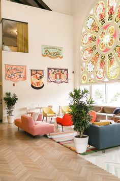 The Russell in Nashville, Tennessee - A Beautiful Mess - colorful interiors Aesthetic Rooms, Home And Deco, Home Decor Inspiration, Decor Ideas, Decor Diy, Home Interior Design, Colorful Interior Design, Interior Design Magazine, Interior Ideas