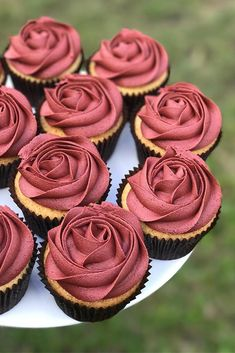 Wanting some uniqueness to your wedding treats? We have a list of the unique wedding cupcake ideas! You will be amazed at some of these simple ideas for wedding cupcakes! Any color theme or decoration… Easy Cupcake Recipes, Easy Cheesecake Recipes, Wedding Cupcakes, Wedding Desserts, Wedding Themes, Cupcakes For Weddings, Bridal Shower Cupcakes, Birthday Cupcakes For Women, Wedding Ideas
