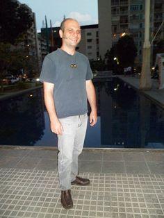Giuseppe Gino Di Nardo Caruso en la recién inaugurada Plaza de Los Palos Grandes, Caracas, Venezuela. Septiembre 2012.