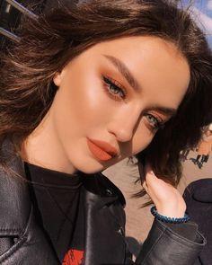 Gorgeous Makeup: Tips and Tricks With Eye Makeup and Eyeshadow – Makeup Design Ideas Glam Makeup, Pretty Makeup, Skin Makeup, Eyeshadow Makeup, Beauty Makeup, Beautiful Girl Makeup, Rock Makeup, Cute Makeup Looks, Orange Makeup