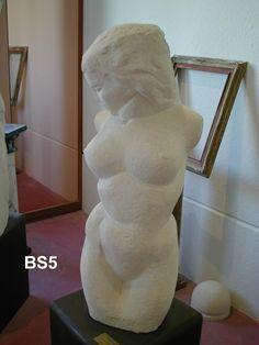 Busto in pietra - http://achillegrassi.dev.telemar.net/project/busto-di-donna-con-testa-in-pietra-bianca-di-vicenza/ - Busto di donna con testa in Pietra bianca di Vicenza Dimensioni:  100cm (H)